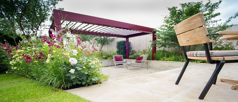 link to page garden house design renson camargue - House Designs With Garden