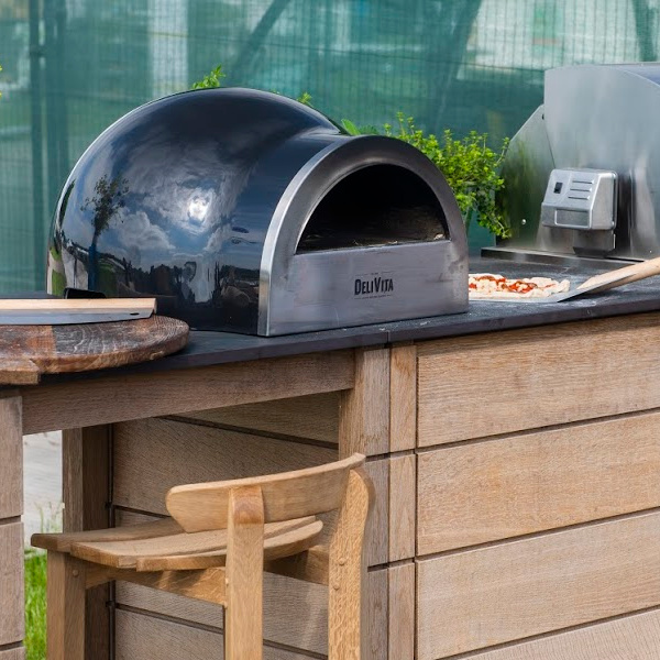 Black Delivita Pizza Oven by Garden House Design