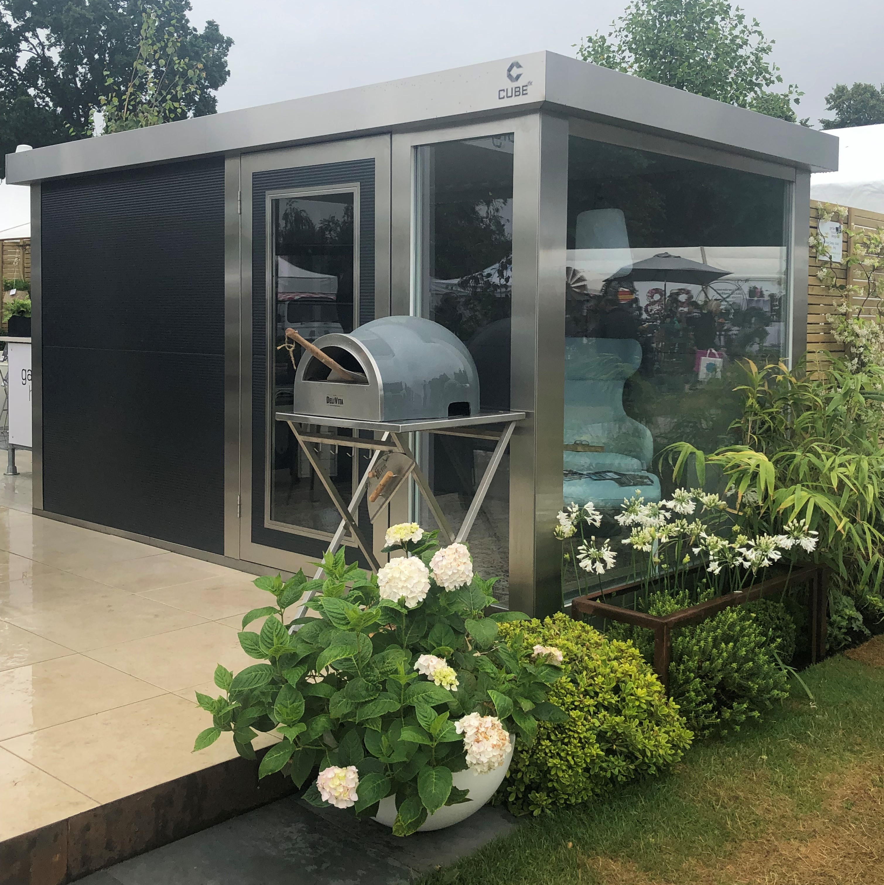 The CUBE-fx and the DeliVita Wood Fired Oven at Hampton Court Flower Show Exhibition Trade Stand 2019