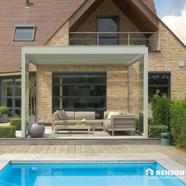 Renson Algarve with automatic louvered roof blades that open and close