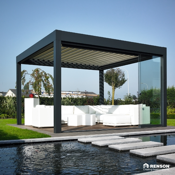 Renson Camargue free standing with glass sliding doors