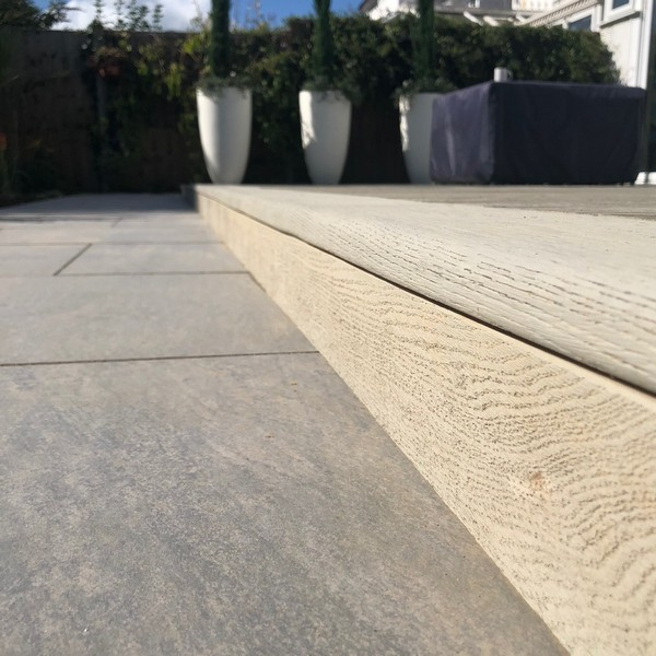 Composite Deck with bullnose edging on steps